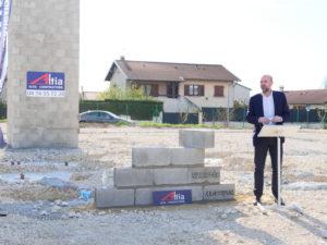 Z Square - Pose de la 1ère pierre